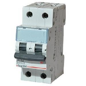 Выключатель 2-полюсный Legrand 403989 TX3 6000 2П B32А Icu 6кA