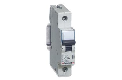 Выключатель 1-полюсный Legrand 403918 TX3 6000 1П C25А Icu 10кA