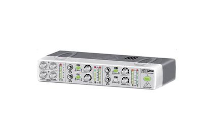 Усилитель для наушников BEHRINGER AMP 800 MINIAMP