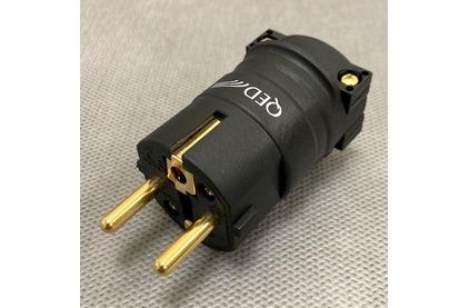 Разъем EU Schuko QED (QE3093) Performance Euro Plug Gold