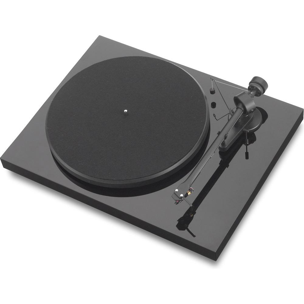 Проигрыватель виниловых дисков Pro-Ject Debut III DC Piano (OM-5E)