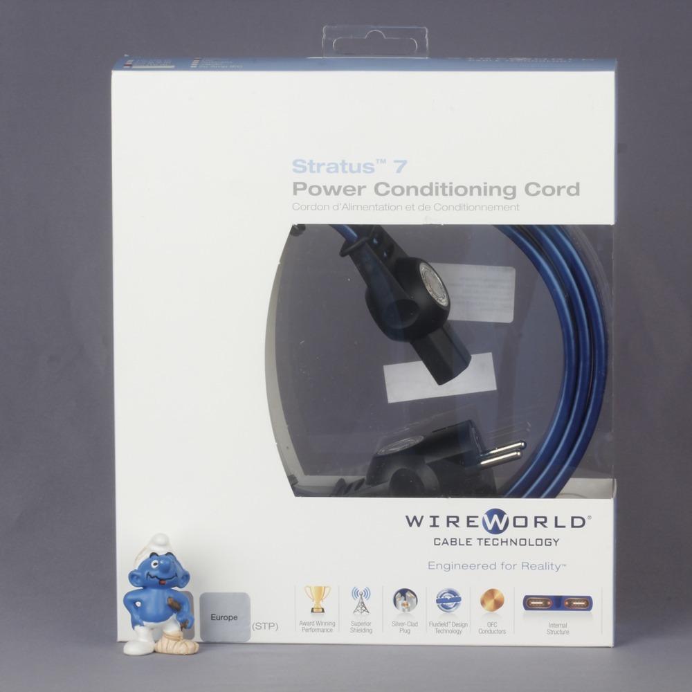 Кабель силовой Schuko - IEC C13 WireWorld Stratus 7 3.0m