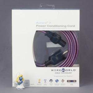 Кабель силовой Schuko - IEC C13 WireWorld Aurora 7 1.0m